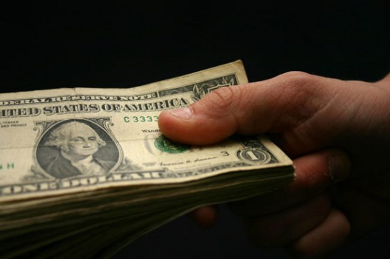 money_hand_02